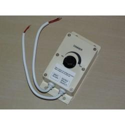 Nástenný stmievač pre LED pásy s napájaním AC 220/240V