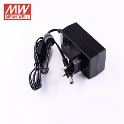 LED zástrčkový napájací zdroj 24V 36W Mean Well GST36E24-P1J